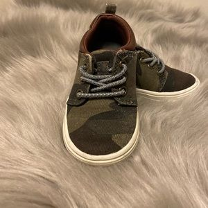 Carters camo casual shoes size 5 toddler